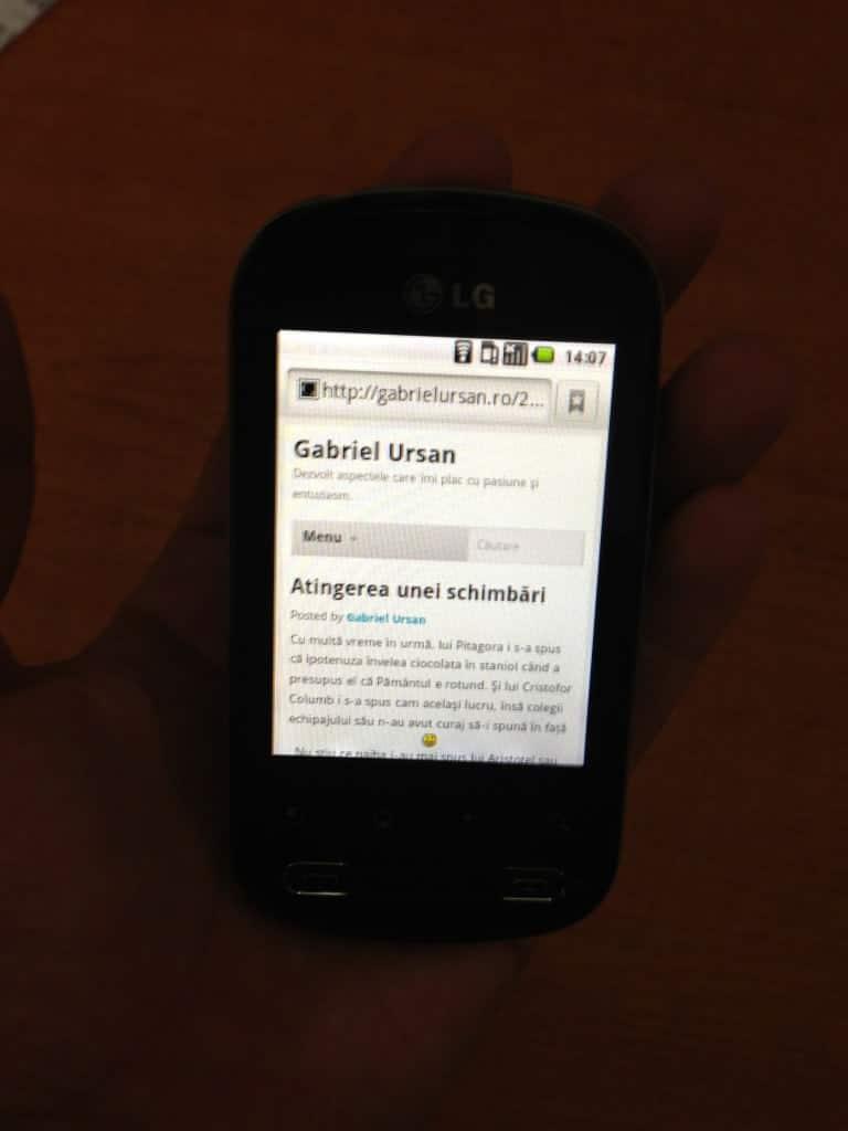 LG Optimus Me P350, un smartphone cu Android care merită atenţie