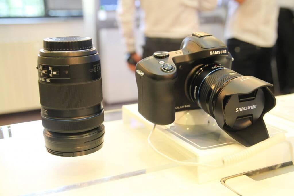 Samsung GALAXY NX, primul aparat foto mirrorless 4G, este disponibil pe piața locală