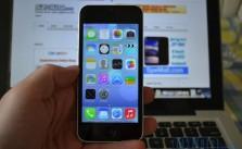 Exemplu clona iPhone 5C