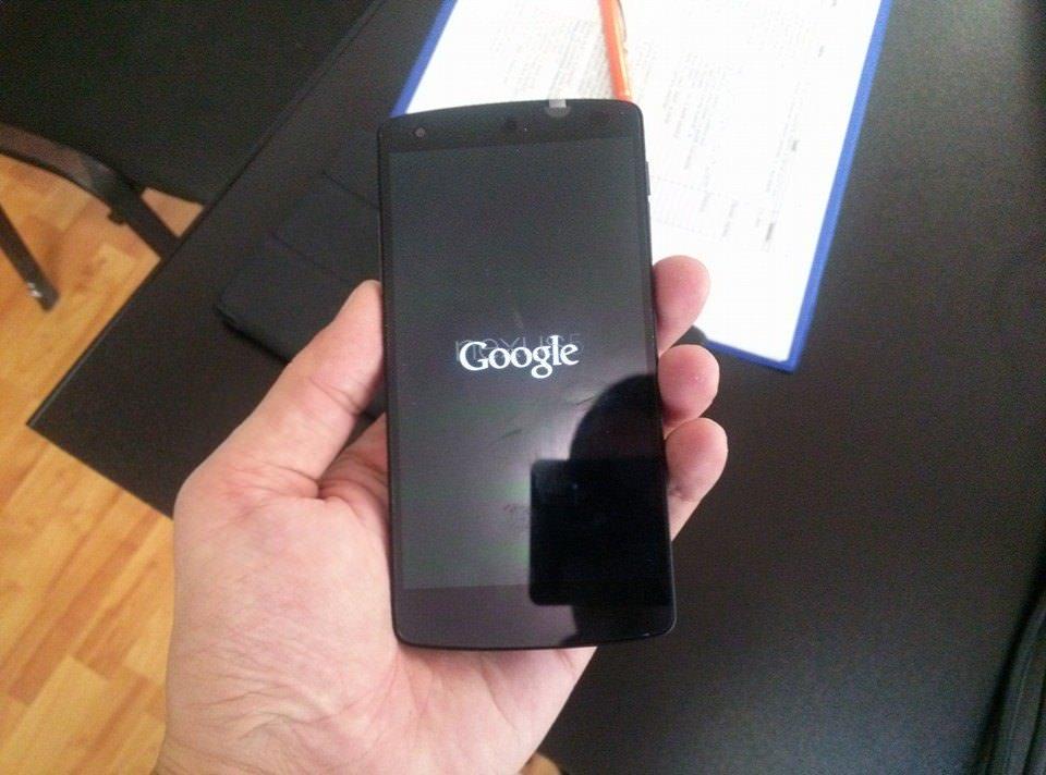 Gabriel Ursan, primul român cu Nexus 5 :)?