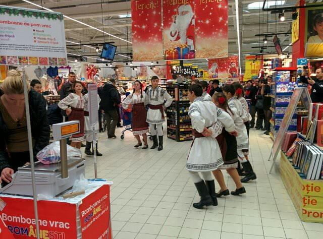 Doar astăzi: 50% reduceri la jucării la Mall Carrefour Galați