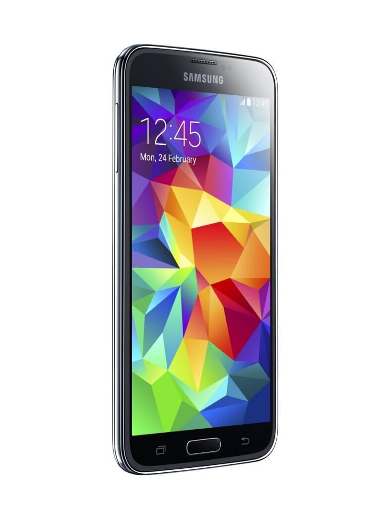 Samsung GALAXY S5 și dispozitivele inteligente Gear 2 și Gear Fit  au fost lansate oficial pe piața locală