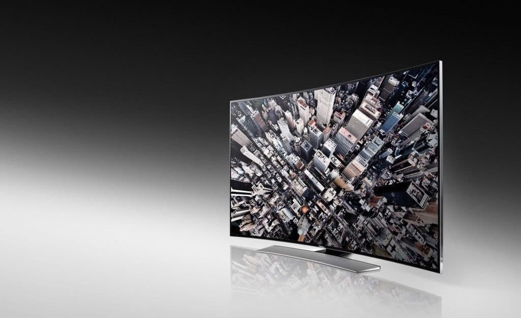 Samsung lansează în România prima gamă de televizoare curbate Ultra High Definition (UHD)