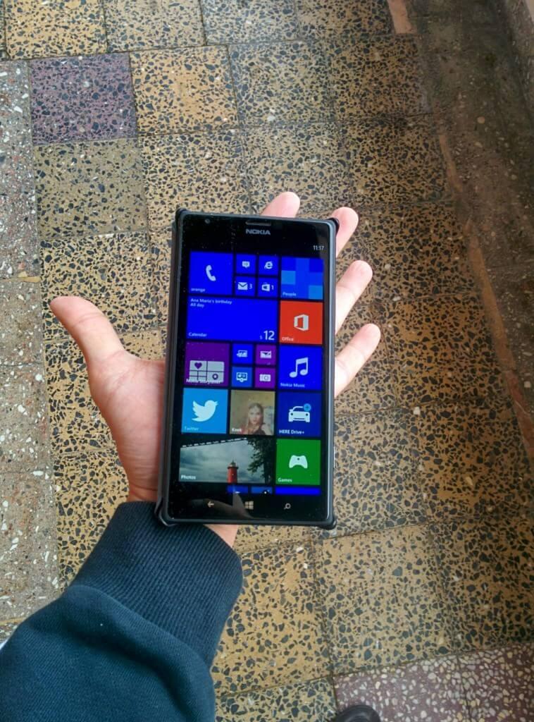 Față în față cu marele Nokia Lumia 1520