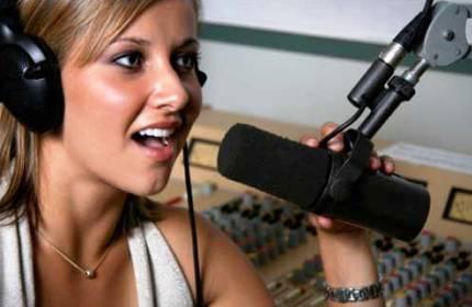 Ce posturi de radio castiga bine din publicitate