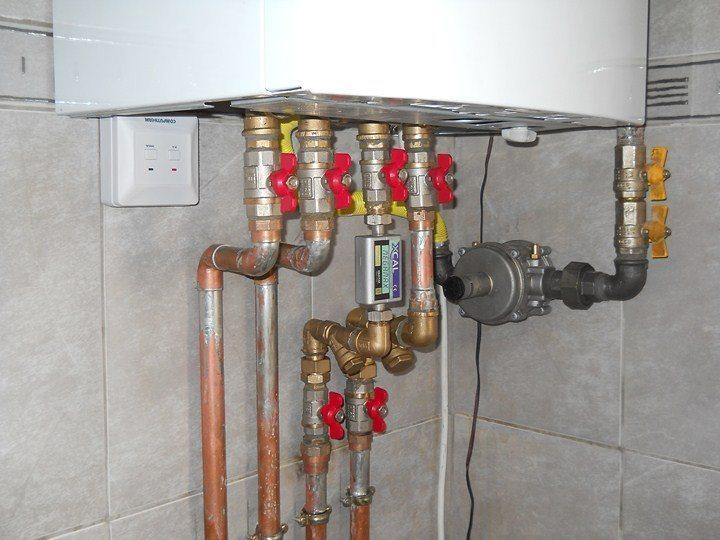 Verificare instalatie gaze la centrala termica de apartament