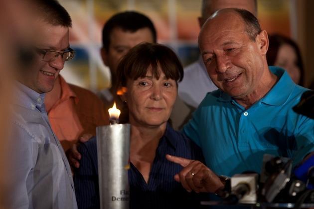 L-am visat pe Basescu si pe Monica Macovei