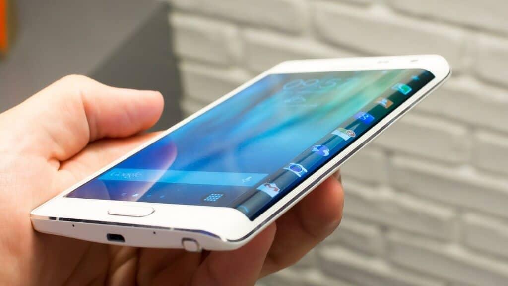 Cand apare Samsung Galaxy Note Edge in Romania