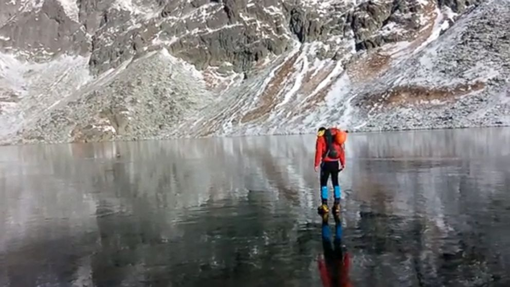 Cum e sa mergi pe o gheata extrem de curata in muntii Slovaciei