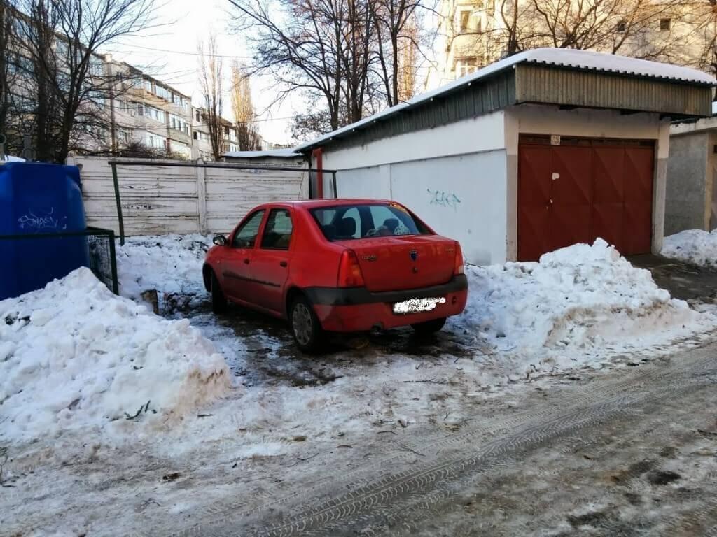 Acel moment cand ti se fura locul de parcare deszapezit de tine