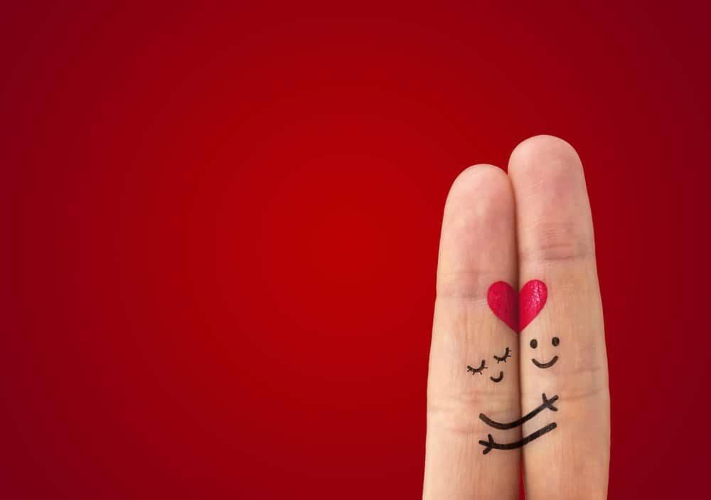 E luna februarie, pregatiti-va de discutiile din jurul Valentine`s Day vs Dragobete