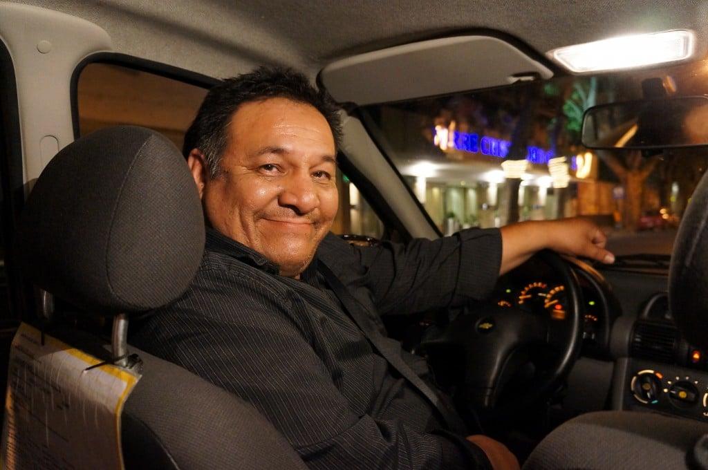 Din trafic: uită-te și în oglinda retrovizoare a celui din fața ta