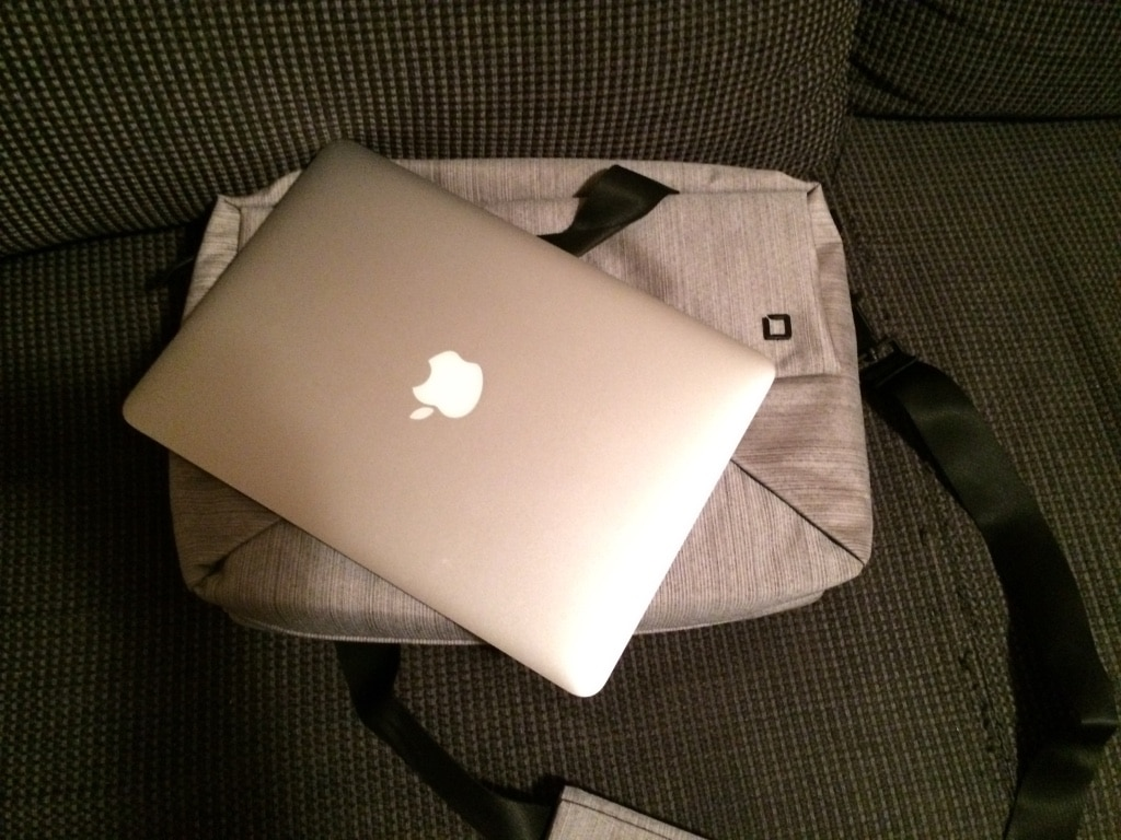 Geanta MacBook Pro 13 Retina Display 2