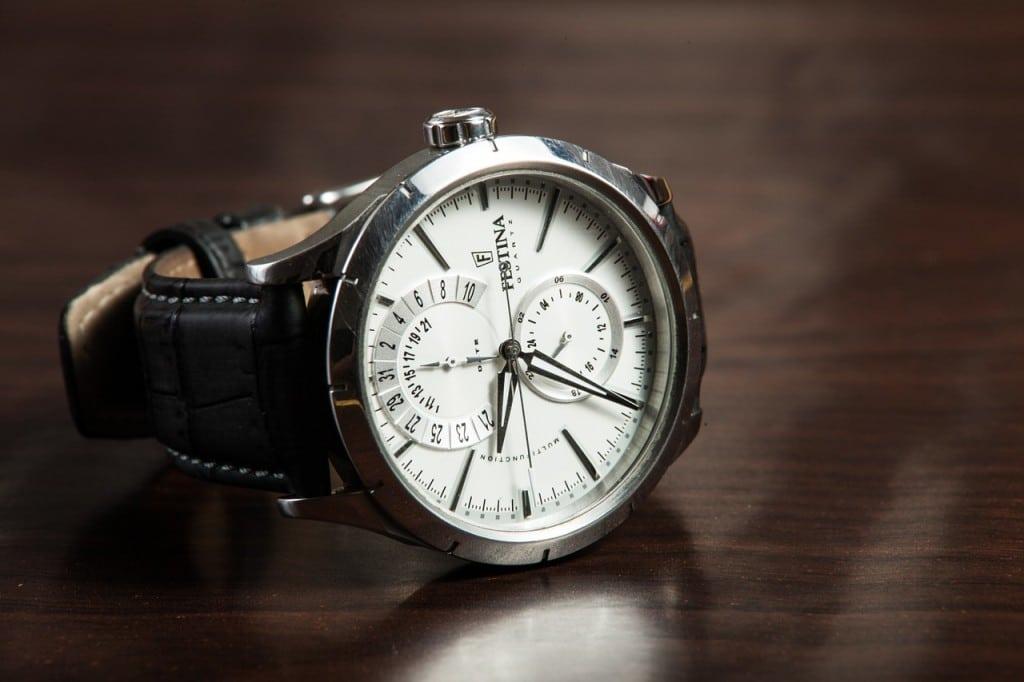 Ceasul, un accesoriu care oferă un aer bărbătesc?