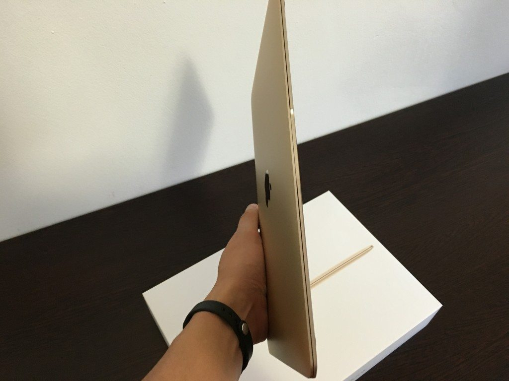 MacBook 12 in mana