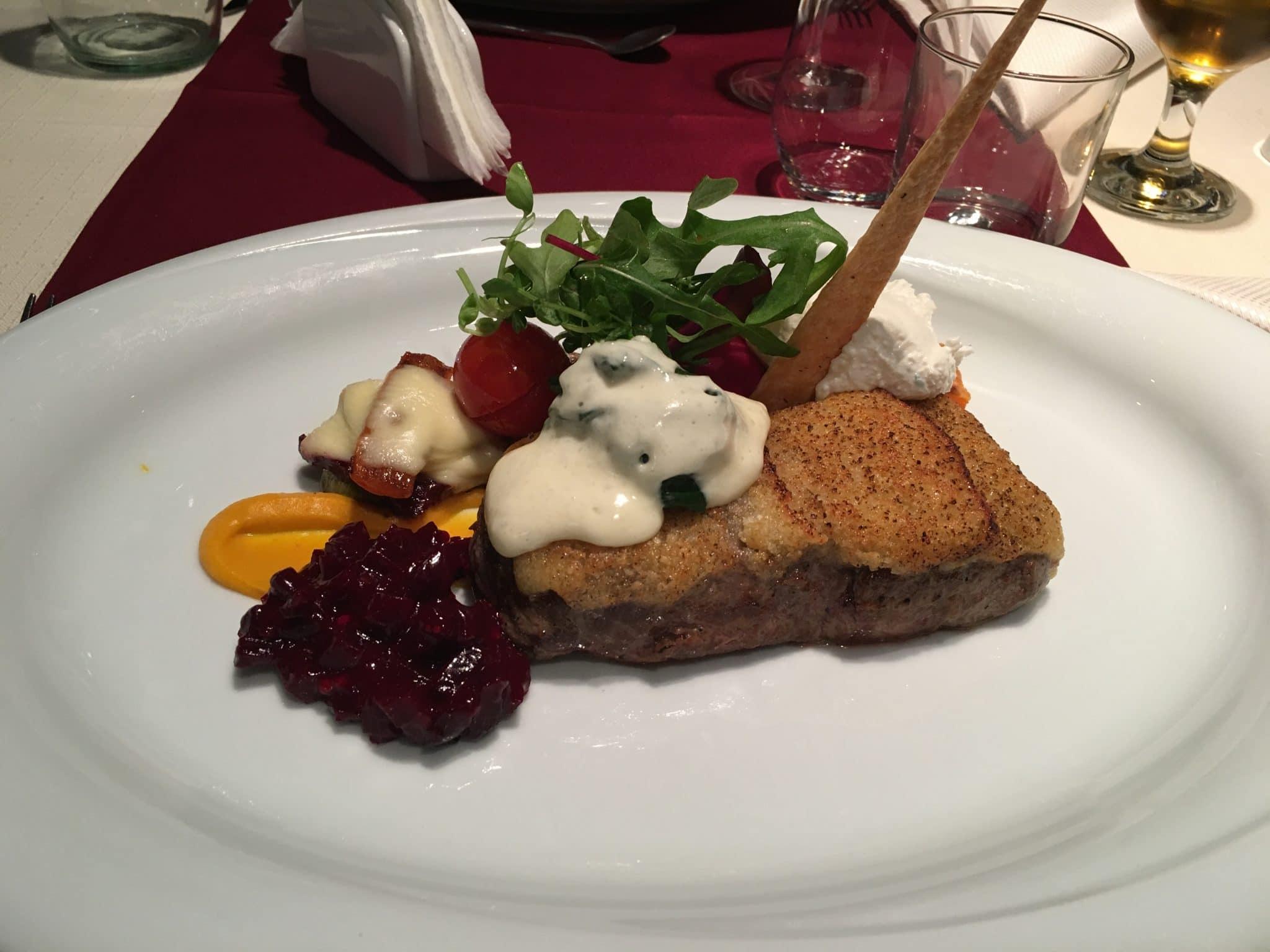 Dacă nu mergeți la restaurant Belvedere Brașov, n-ați văzut Brașovul :)