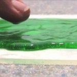 Substanța rezistentă la apă Ultra Ever Dry te face să te simți că ar exista magie