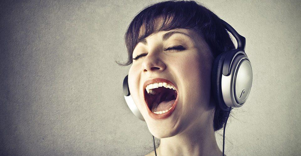 Dragă vecină care ești tu soprană la 12 noaptea
