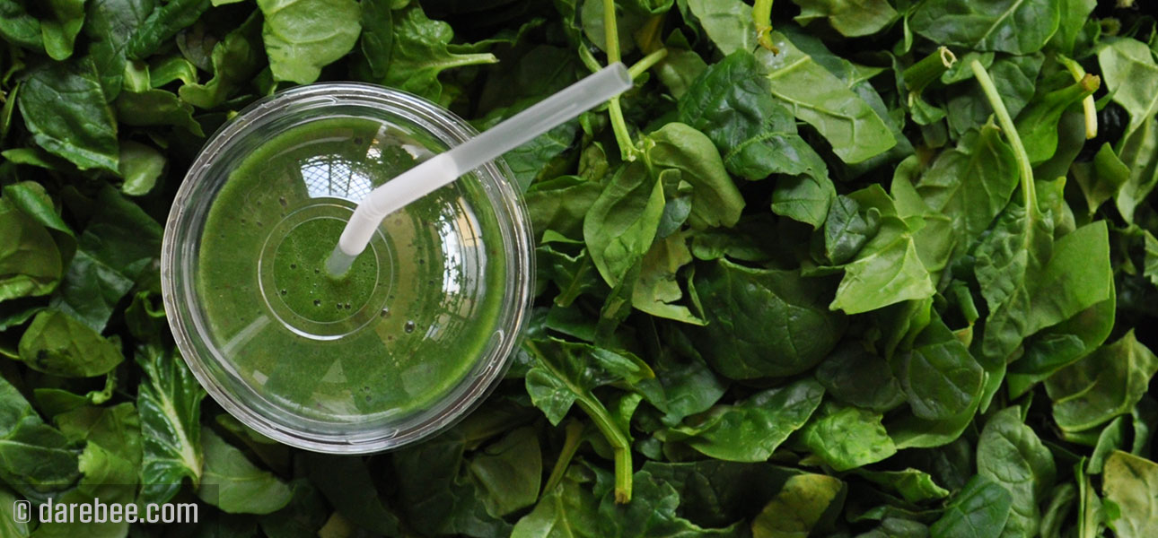 Cum să prepari rapid un smoothie verde sănătos și mai ales gustos
